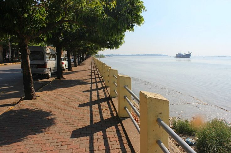 Riverside in Mawlamyine | Exotic Mawlamyine and Understanding the Death Railway | The World on my Necklace