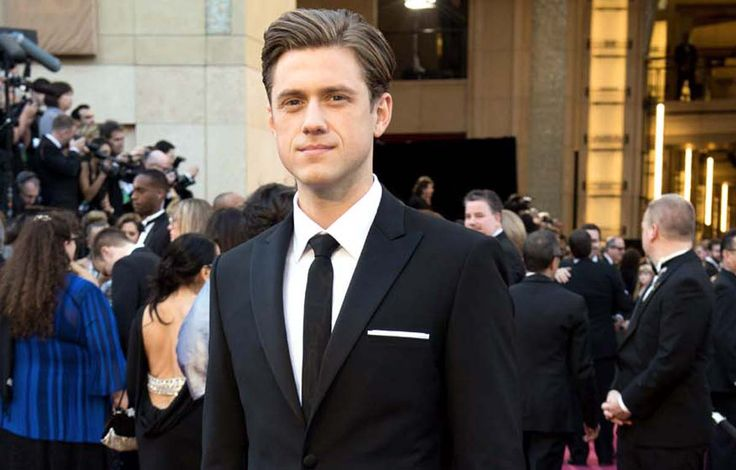 Aaron Tveit Wallpapers | Full HD Pictures
