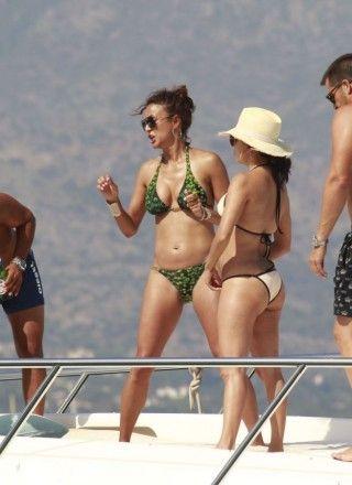 Eva Longoria Eva La Rue Bikini Candids Marbella 04 320x440