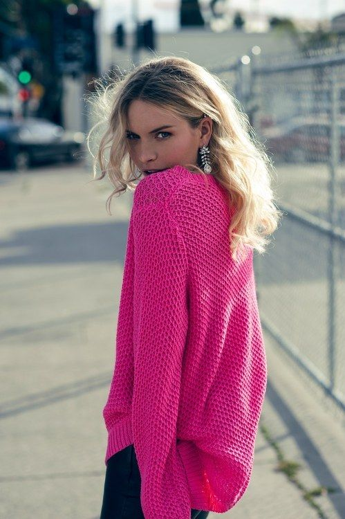 hot pink sweater I want a big oversized sweater like this.