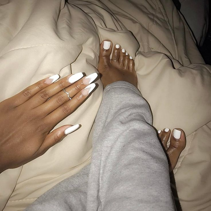 """11.5k Likes, 51 Comments - Queen Amina (@aminayael) on Instagram: """"I just happen to always have on a pair of grey sweats when I admire my feet and nails ♀️ & check…"""""""