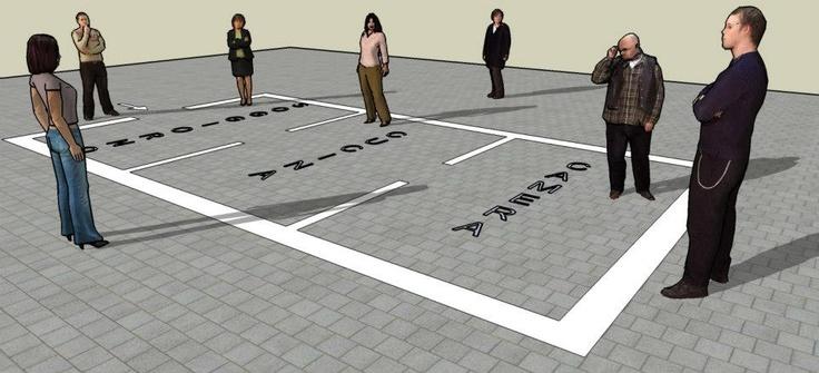 """CRI ECO: """"HO-ME"""" sez. Performance  La performance si basa sul concetto di luogo e non luogo: una casa ovvero un luogo identitario inserito in un non luogo per creare un cortocircuito fra l'interazione delle diverse etnie e lo spazio piazza di Porta Palazzo."""