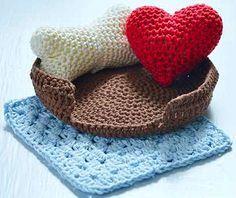 Вязаные игрушки Амигуруми крючком: Сердце, косточка, корзинка и одеяло » Журнал SOUL