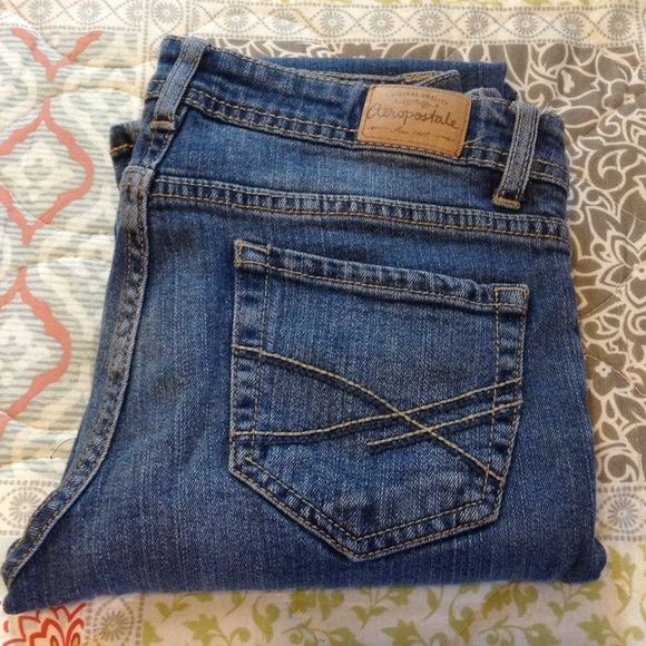 Aeropostale Chelsea Boot Style Jeans NEVER WORN! Chelsea Boot Style Jeans Medium Wash Aeropostale Brand Size 2 Regular Aeropostale Jeans
