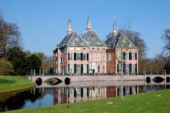 Image Detail for - Duivenvoorde Castle - PO Ferries' Blog  Duivenvoorde castle is situated near The Hague, between Voorschoten and Leidschendam. A guided tour shows the magnificent rooms, furnished as if they were still lived in.