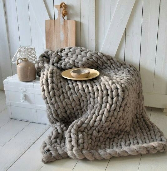 Grof gebreid plaid gemaakt van merinowol - van het label Dehewi Design - Te koop bij Dehewi Home