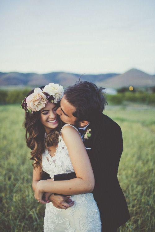 Wedding - beautiful loose hair and bridal hair piece. #wedding #bridalhair #floralhairpiece