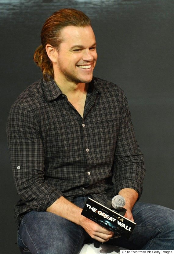 Matt Damon Has A Ponytail, So Your Summer Just Got Better. He looks younger this way
