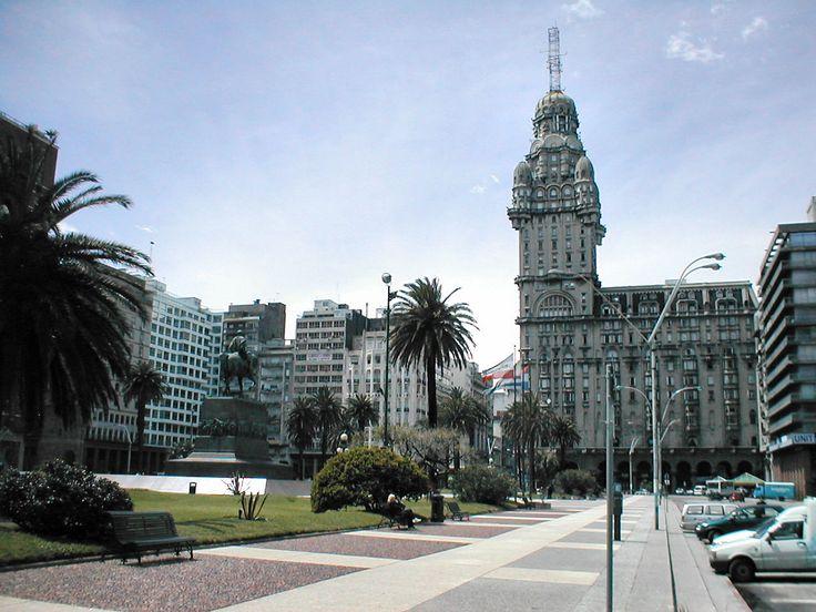 Zentrum von Montevideo mit dem Palacio Salvo