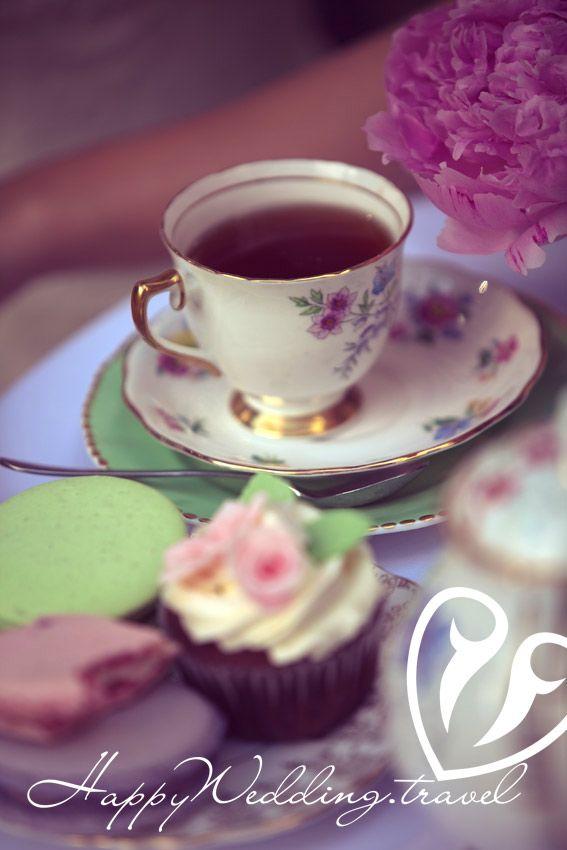 wedding cupcake, cake pops, macaroons, капкейк, кейк попс, макарон на свадьбе в Чехии, Wedding sweets, tea party, wedding tea party, свадебное чаепитие