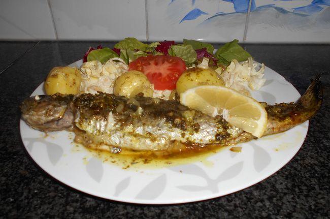 Recept voor Regenboogforel met kruidenboter in de oven. Meer originele recepten en bereidingswijze voor visgerechten vind je op gette.org.