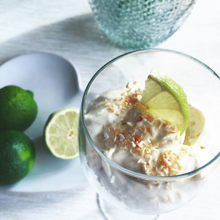 Coconut and lime with malibu cream no-bake cheesecake. Instagram: @blumangocakes