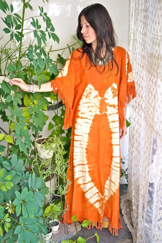 70s Tie Dye Portal Caftan by PrismOfThreads on Etsy, $118.00