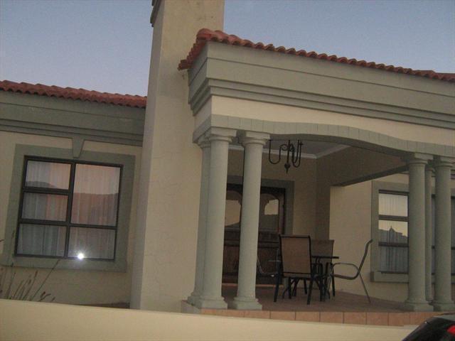 100466280 – Dan Pienaar,Bloemfontein,Free State | RE/MAX First | Properties for sale in Bloemfontein