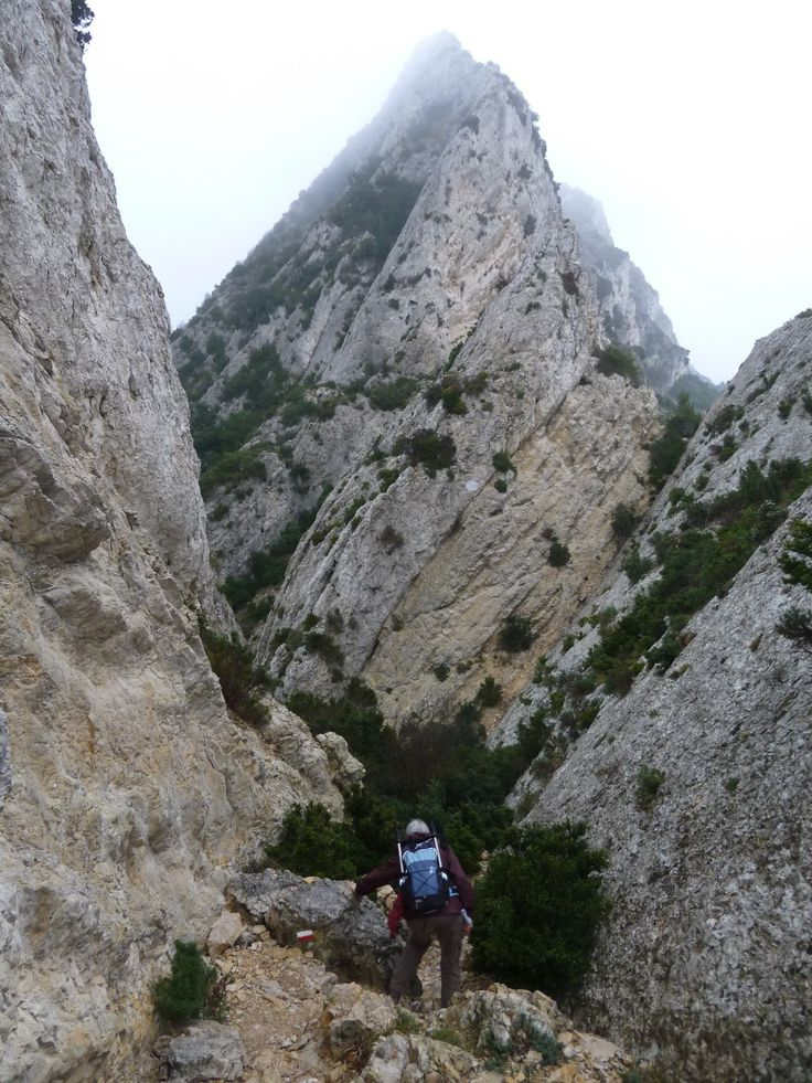 La descente vers le versant Sud