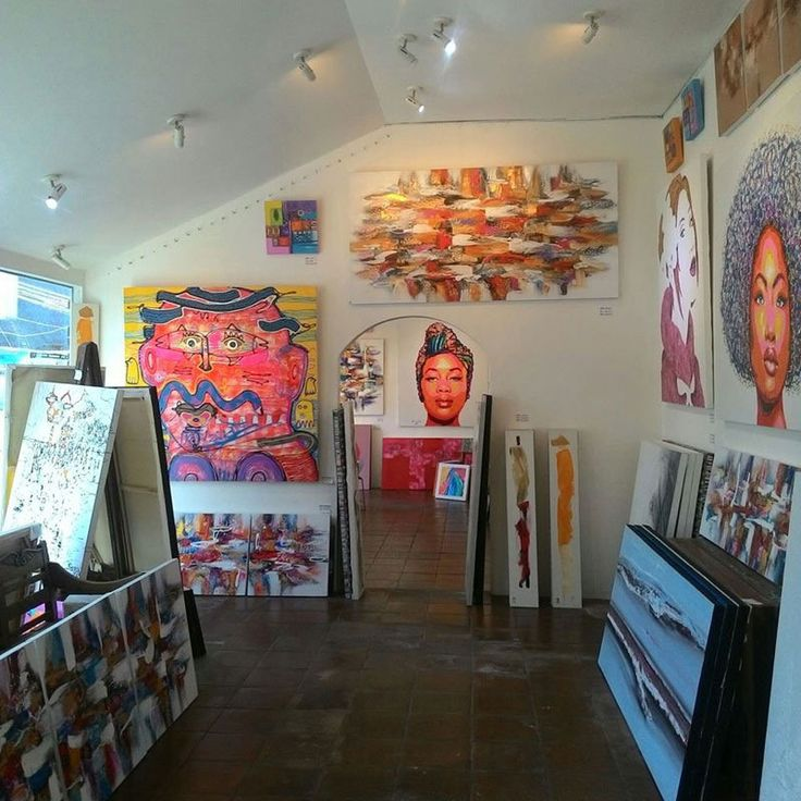 Looking for the best places to buy art in Bali? Here are our 11 top recommendations for your Bali art shopping.