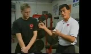 The dynamics of Bruce Lee's One Inch Punch explained. Watch more at: www.wingchunorigins.org #WingChun