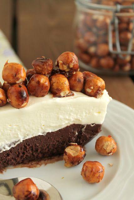Παγωμένη τερίνα με σοκολάτα, πραλίνα φουντουκιού και καραμελωμένα φουντούκια - The one with all the tastes