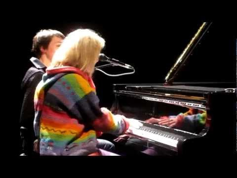 Véronique Sanson et  Jeanne Cherhal  une nuit je m'endors avec lui (mars 2012)