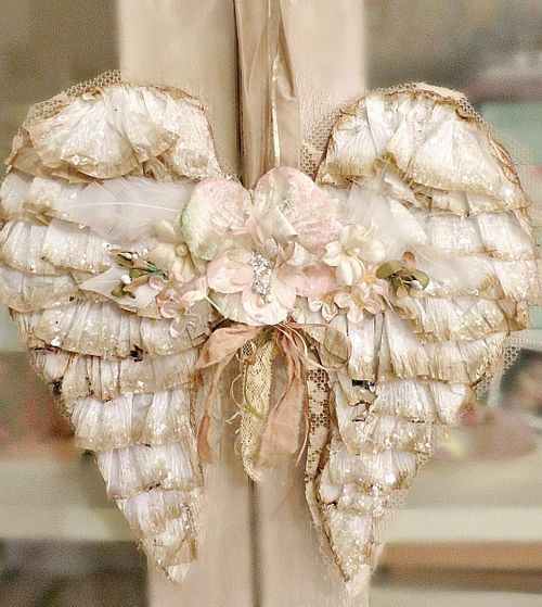 Angel wings..could probably make these with fabrics or paper