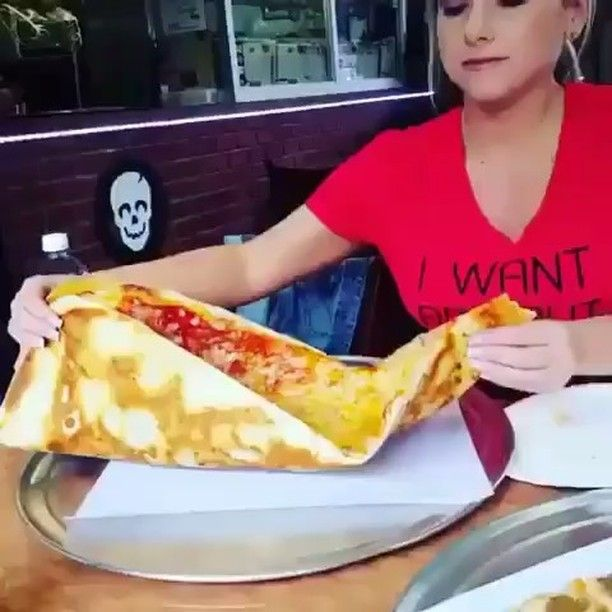 Who wants a slice of pizza follow (@deliciousfoodvideos) . Hashtag #Shredded_Academy @ us in your captions for a shoutout . @just_eatit #workout #weightless #motivation #fitspiration #instafitness #fitfam #fit #transformation #exercise #dedication #determination #fitnessmodel #abs #goals #exercises #workoutvideo #workoutvideos #healthy #health #aesthetics #results #nutrition #coach #onlinecoach #fitnesscoach  (mealpreprecipes)  The post Who wants a slice of pizza follow…