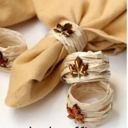 Napkin rings made out of raffia ribbon! https://www.retailpackaging.com/categories/17-raffia-ribbon #crafts #DIY #autumn #fall
