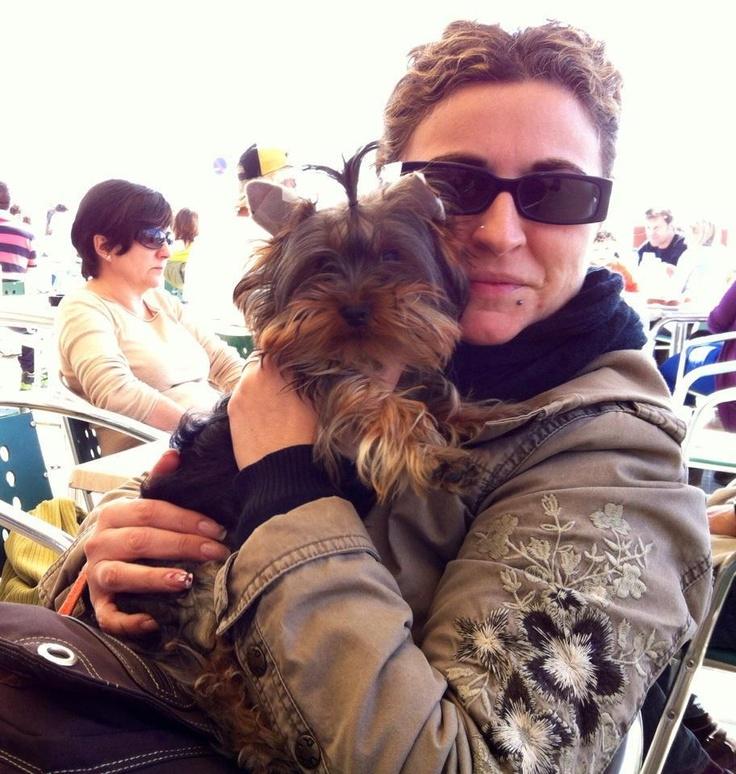 """Llac es el protagonista de """"Soy un perro cachorro y me duelen los dientes: """"¡Mami, ayúdame!"""" """" http://www.celebrekkies.com/?p=4654"""