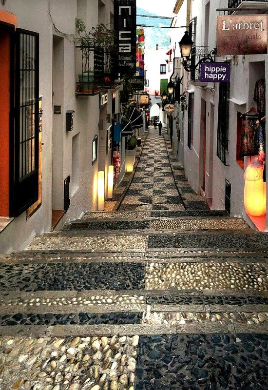 Shopping Street in Altea, Spain | Oh my god! I was just there last Sunday!!