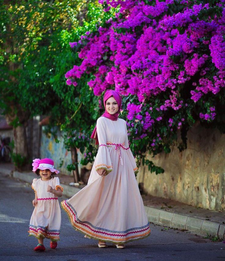 Hayırlı sabahlar  ponpon anne kız elbiselerimiz hazır! +90 (535 017 83 00'den mesai saatlerinde fiyat vb sorularınız için bilgi alabilirsiniz...(Whatsapp hattıdır)