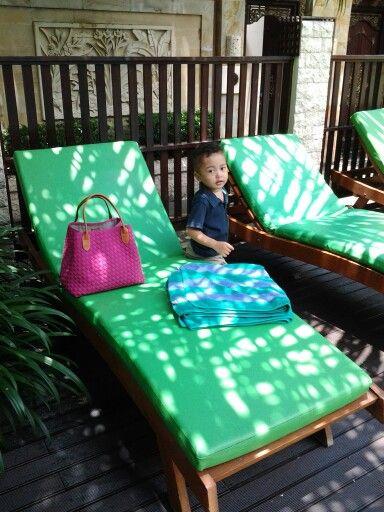 poolside best western villa... where is mr.sun?