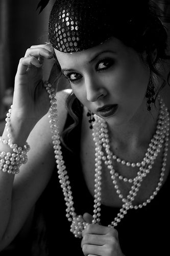 pearls1920 S, 1920S Style, Black And White, 1920S Fashion, Pearls Pearls, 1920S Inspiration, Parties Ideas, Trends 1920Sfashion, 1920S Flapper