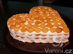 Luxusní tvarohový dort s ovocem. Hotov za 30 minut. Má jednu chybu, snědený je za 5 minut.