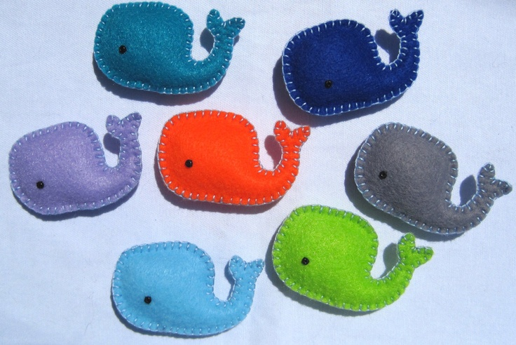 colorful whale refrigerator magnets - perfect for an ocean-themed kitchen