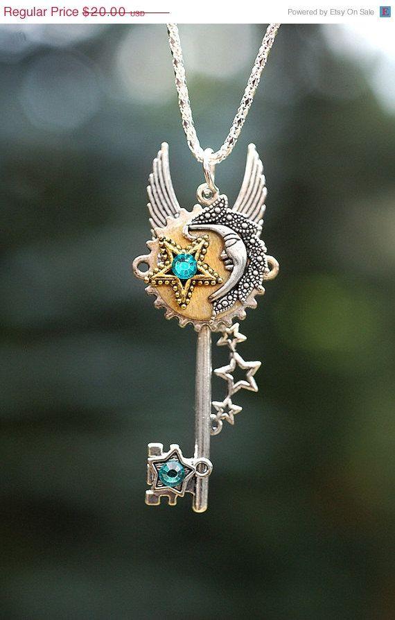 SALE  Moon Star Key Necklace  167 par KeypersCove sur Etsy, $18.00