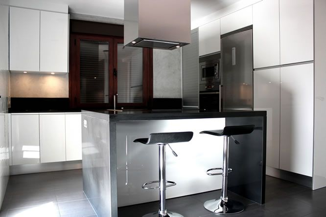 Dise o de cocinas dise o de cocinas en cocinas con isla for Diseno de cocinas modernas con isla