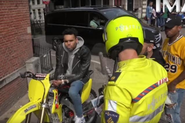 Chris Brown arrêté à Amsterdam (Vidéo). - soirmag.be