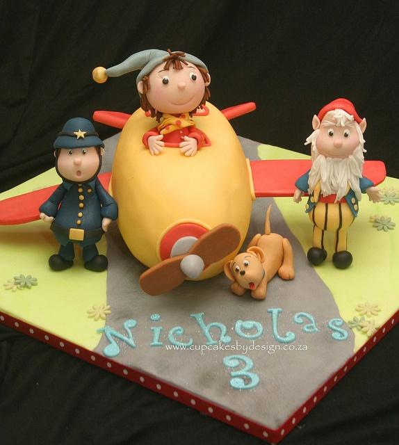 Noddy's Aeroplane Cake by Grace Stevens, via Flickr