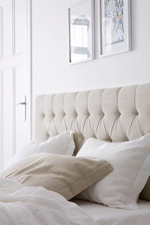 Pehmustettu sängynpääty puuvillakanvaasia. Ripustetaan seinään. Runko MDF-levyä, täyte vaahtomuovia. Koko 164x61 cm. Syvyys/paksuus 8 cm. Rahtipaino 32 kg.<br><br>Tarkista rahtimaksu Toimitus-välilehdeltä. <br><br>