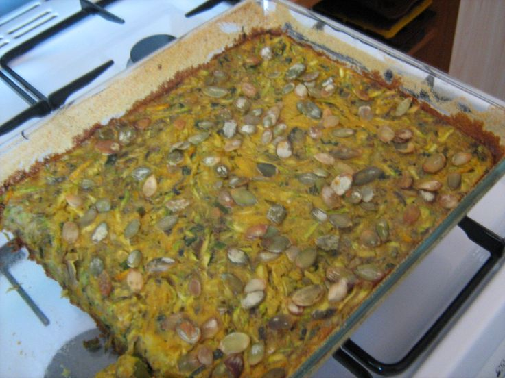 Tarta cu dovlcel.     Un blog despre hrană sănătoasă, rețete vegetariene, comenzi de preparate vegetariene, gânduri bune.