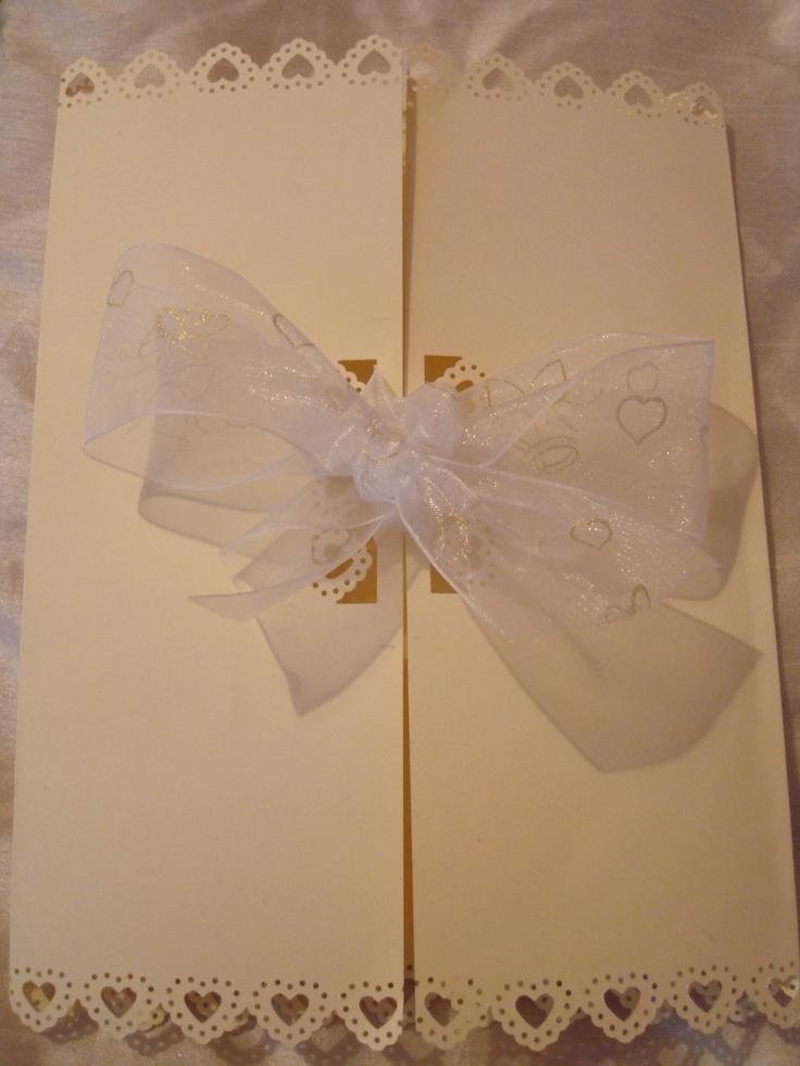 Beautiful Cream & White Wedding Invitations x