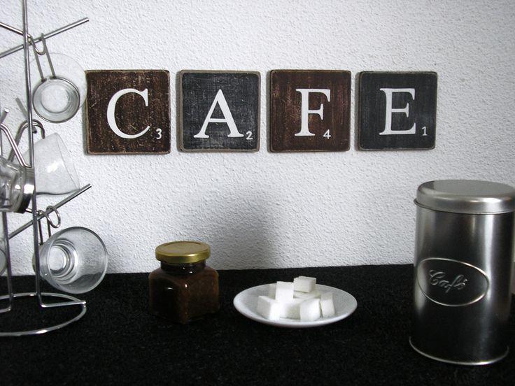 lettres décoratives CAFE : pour une décoration murale de cuisine, café, bar, une jolie alternance marron et noir, qui rappelle la couleur du café..