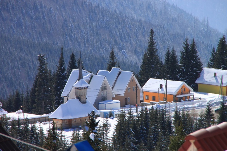 Winter Mountain Homes and Villages - Public Domain Photos, Free Images for Commercial Use