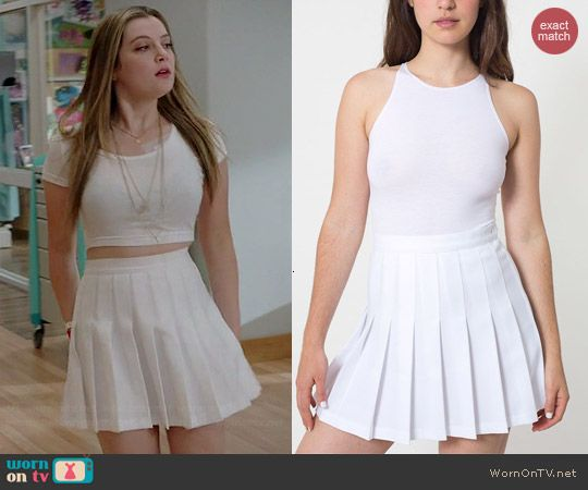 Kara's white pleated skirt on Red Band Society.  Outfit Details: http://wornontv.net/41509/ #RedBandSociety