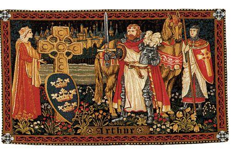 Cette Tapisserie Repr Sentant Le Roi Arthur Gueni Vre Perceval Et La Croix Celtique Est