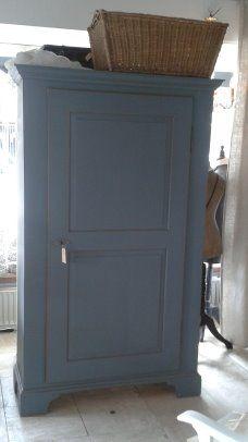 Antieke 1 deurs kast in heel mooi oudblauw........