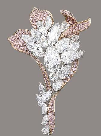 A diamond cluster and pink diamond flower brooch scored big @ Christie's in May 2012 with a final price of USD $2,937,260