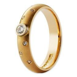Classic timanttisormus Julia Keltakulta 14K Leveys: 4mm I Diamond ring golden 14K width: 4mm