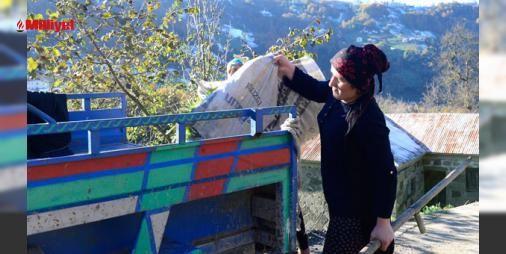 """Üniversite eğitimi için patpatla yük taşıyıp tereyağı satıyor : Trabzonda yaşayan Hüsniye Başkan ikinci üniversitesini okurken ailesine yük olmadan eğitimini sürdürmek yeni kitaplar almak için """"patpat"""" diye tabir edilen tarım aracı ile köy sakinlerinin odun ot gibi yüklerini taşıyor sipariş alarak tereyağı ve peynir satıyor.Samsundaki Ondokuz Mayıs Üniver...  http://www.haberdex.com/ekonomi/Universite-egitimi-icin-patpatla-yuk-tasiyip-tereyagi-satiyor/81495?kaynak=feeds #Ekonomi   #satıyor…"""