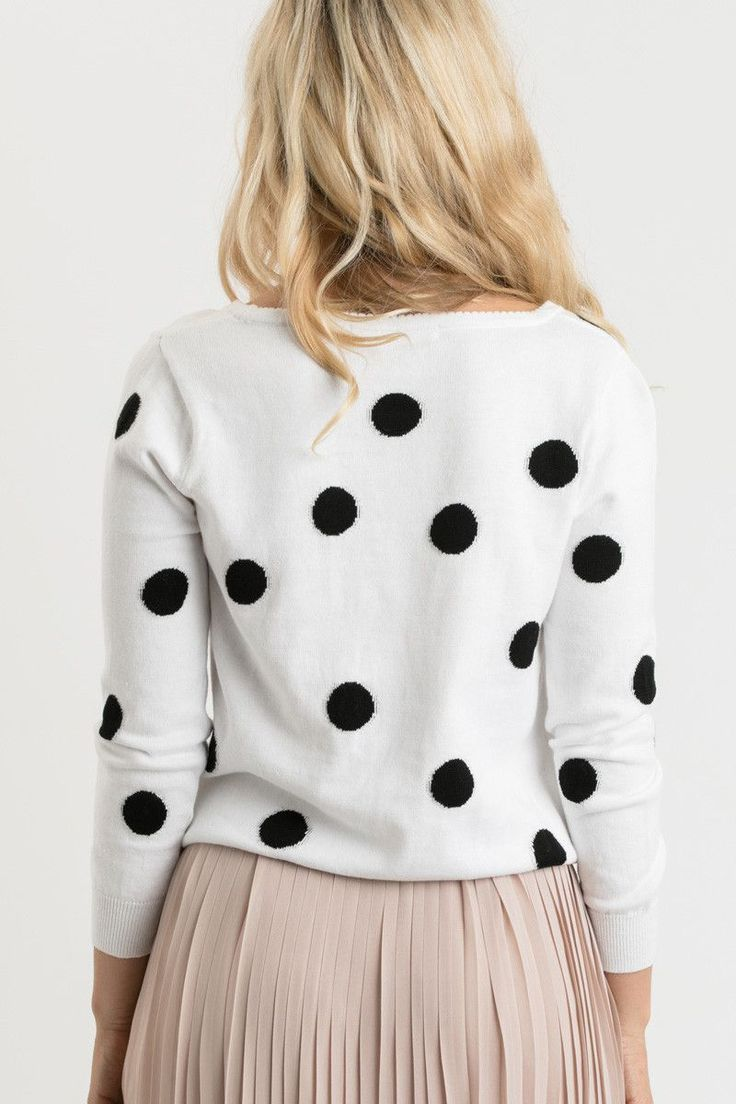 Sweater weather means indulging in the comfiest pieces for Fall and Winter, and we're obsessed with the classic polka dot print on our newest favorite sweater! This super soft round neck sweater is pe