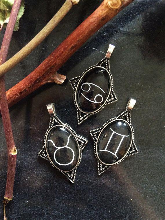 Dierenriem teken ketting - handbeschilderd dierenriem - astro ketting - astro hanger - zodiac constellation - astrologie jewelry - zodiac hanger